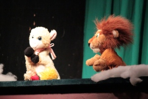 Haha, this puppet show was so sad, it was great! It had us rolling with laughter and repeating quotes the whole way back. The show was about a lion who had to learn to be a friend before he could gain friends.