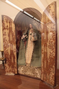 Jesuit Father Pierre Jean De Smet used this Marian devotional shrine in his missionary work in Oregon during the early to mid 1800s. It was later passed through religious leaders and their family members until it was donated to the Grotto in 2000.